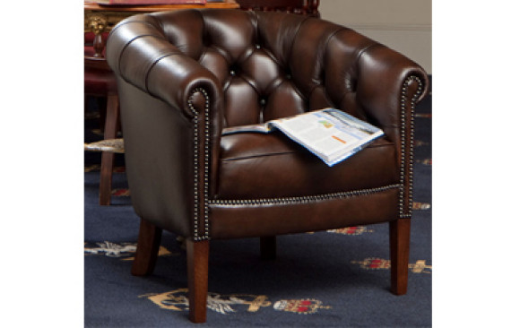The Royale Chesterfield Tub