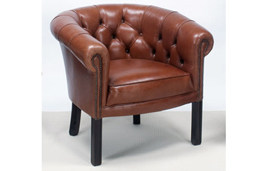 Victoria Chesterfield Tub