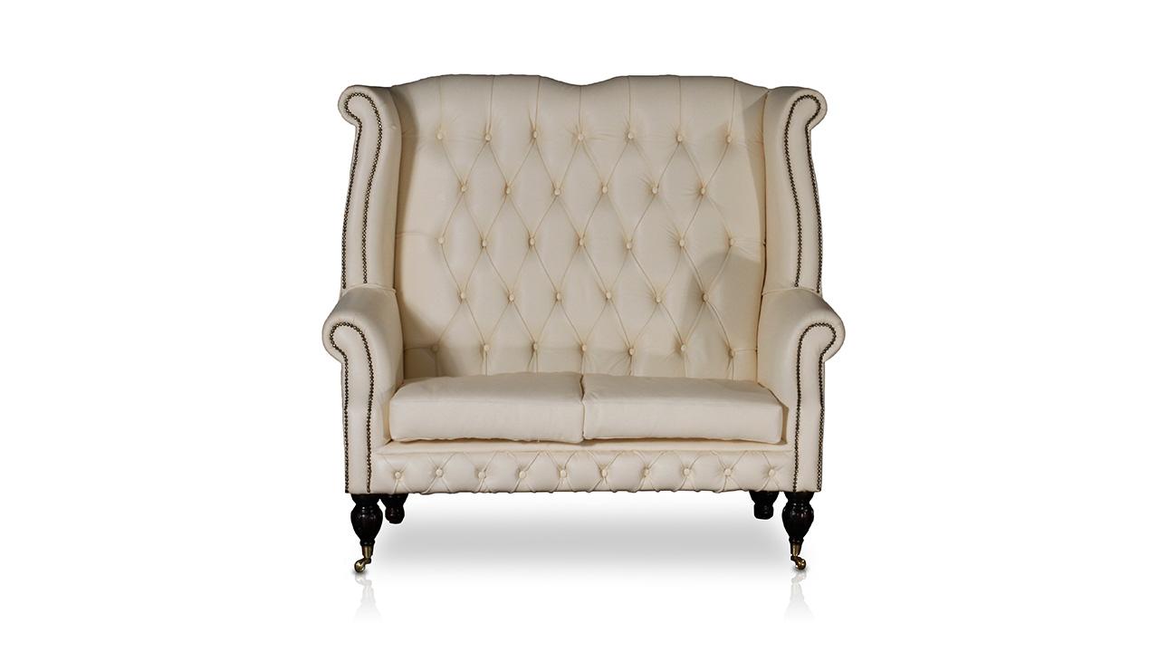 Queen Ann Love Seat