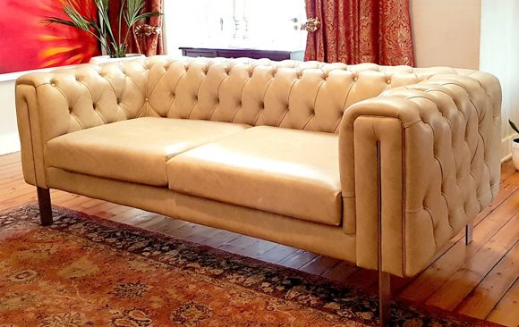 Giftees Contemporary Chesterfield