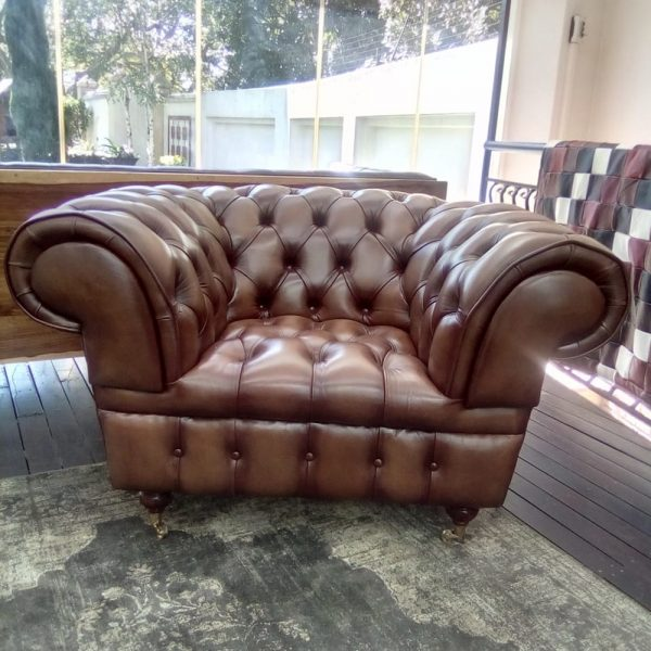 Born Furniture Vintage 1930's chesterfield 1 seater